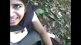 Indian Gal Sucking trunk and eat jizz