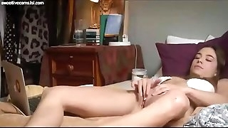 Teenage solo watching porn