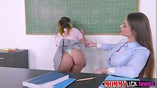 Teacher Cathy plows Aninas sweet pussy by her fake penis strap