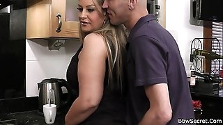 Cheating on wife with sexy plumper