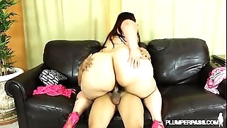 Big Booty BBW Victoria Secrets Twerks and Plows Big Cock
